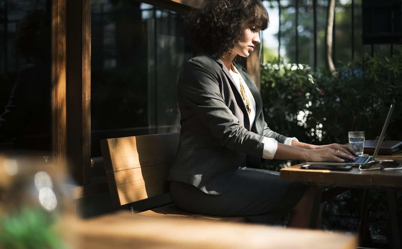 Kadınların yazılım mesleğini seçmesi için 5 neden